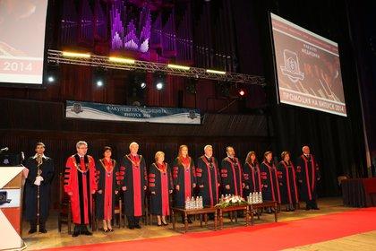 IMG_2341 promotsiya fakultet meditsina.jpg